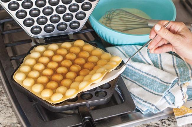 Waffle pan employee incentives make breakfast turnkey easy