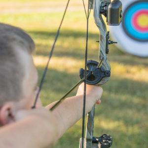 Bear Archery - Warrior Bow Set - Realtree Camo Right Handed